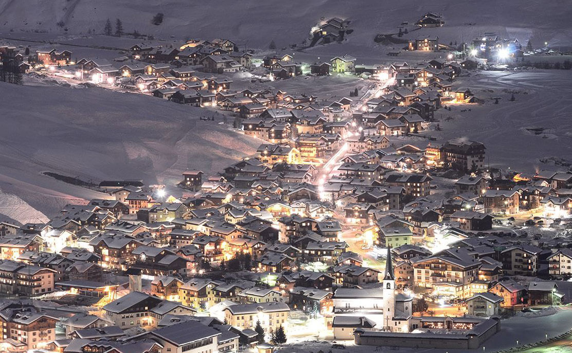 Livigno by night - Photo by Enzo Bevilacqua